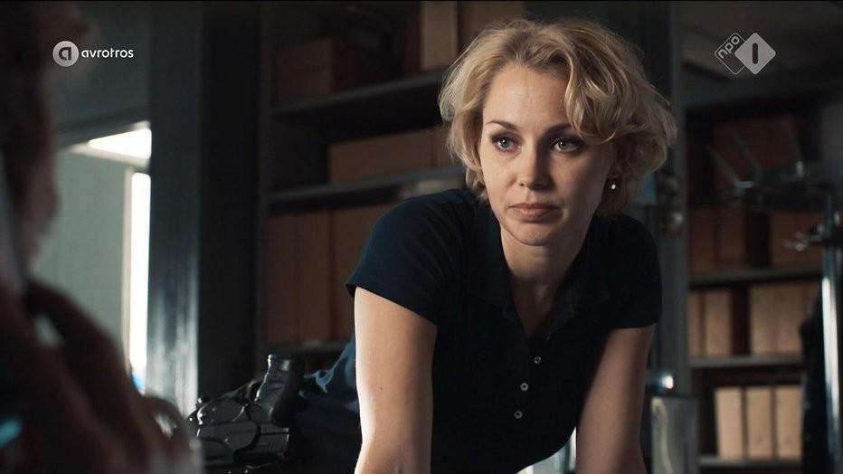 Flikken-actrice Maartje van de Wetering deelt mooie zwangerschapsfoto