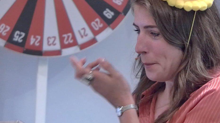 Videosnack: Marieke Elsinga in tranen door Mattie Valk