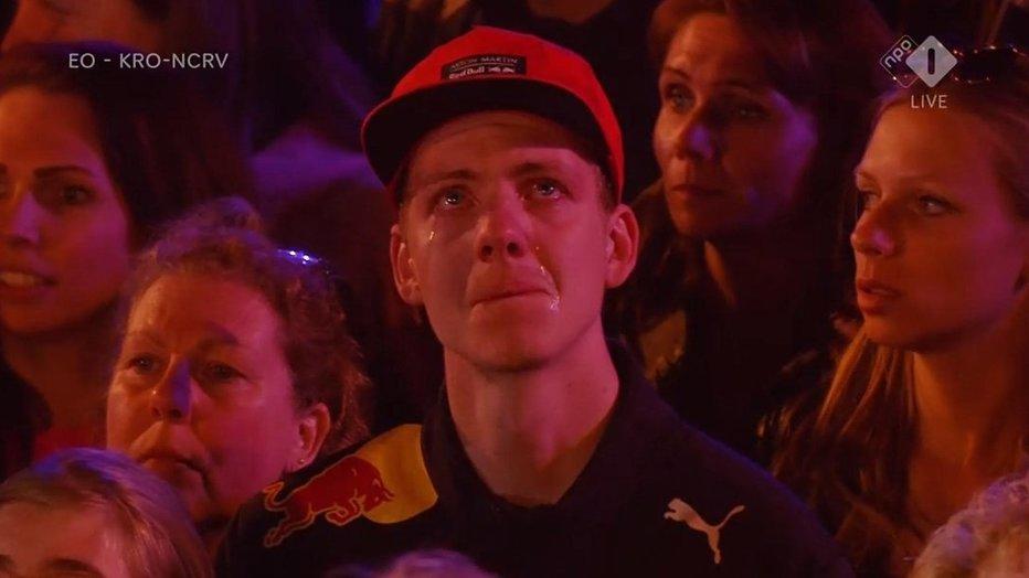 Kijkers The Passion in de ban van huilende 'Max Verstappen'