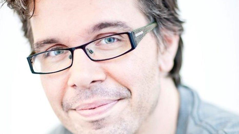 Michiel Veenstra maakt radioprogramma vanuit bed