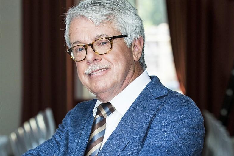 Overlast van clownswagen in Mr. Frank Visser Rijdt Visite