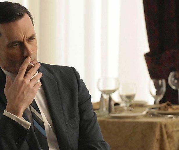 In Netflix-series wordt veel te veel gerookt
