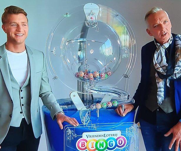 SBS zet Jan Versteegh en Martien Meiland op grote loterijshow
