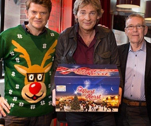 Matthijs van Nieuwkerk reikt eerste RTL-kerstpakket uit