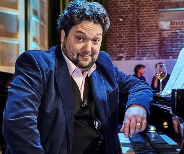 Cabaretier Mike Boddé stopt met komedieshow Cojones