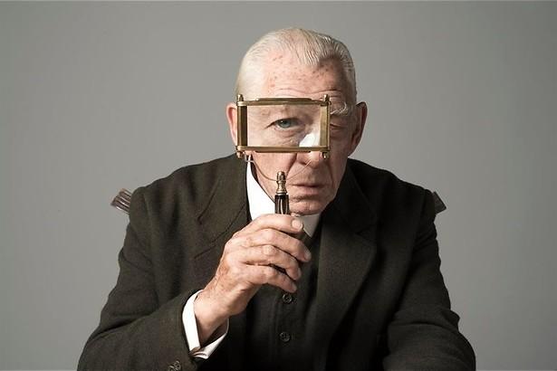 Ian McKellen weet het niet meer in Mr. Holmes