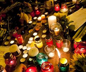 Video: Marco Borsato zingt op Nationale herdenking MH17