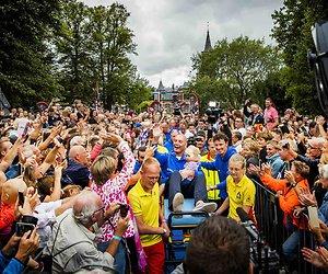 De TV van gisteren: Nederland kijkt massaal naar huldiging Maarten van der Weijden