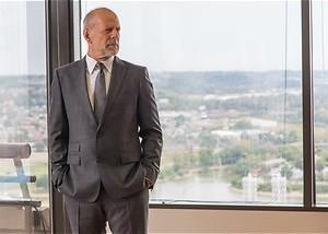 Overvalt Bruce Willis zijn eigen bank?