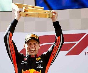 De TV van gisteren: 1,2 miljoen voor winst Max Verstappen op Ziggo Sport