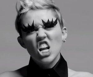 Miley Cyrus verwijderd van line-up pornofestival