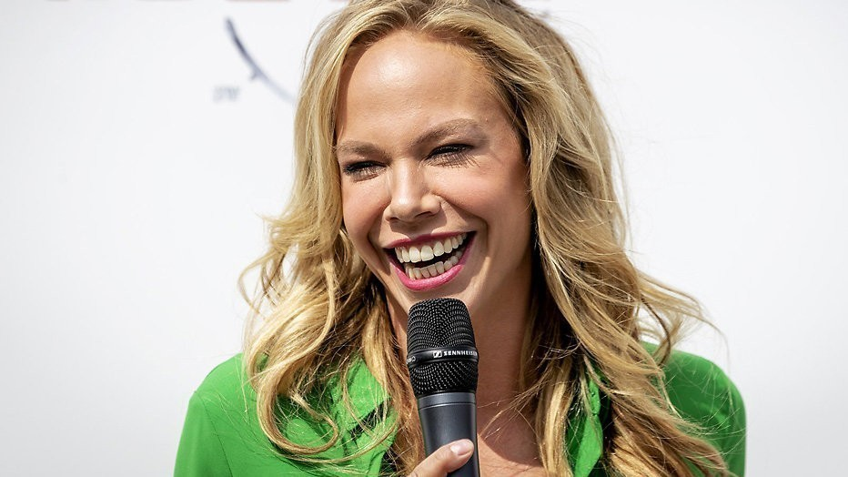 Videosnack Slappe Lach Treft Nicolette Kluijver Bij Opnames