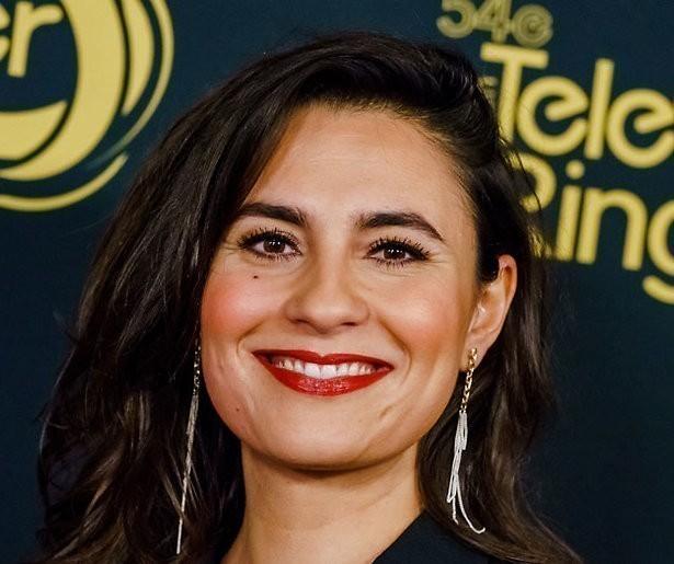 Op1-presentatrice Nadia Moussaid stapt in het huwelijksbootje