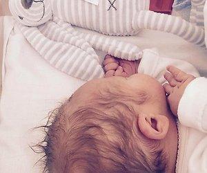 Monique Smit deelt kiekje van baby Noah