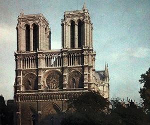 Het herstel van de Notre-Dame
