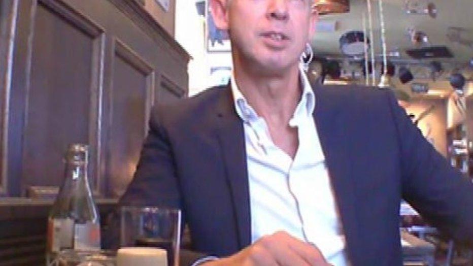 Nederlanders kiezen massaal de kant van Onno Hoes
