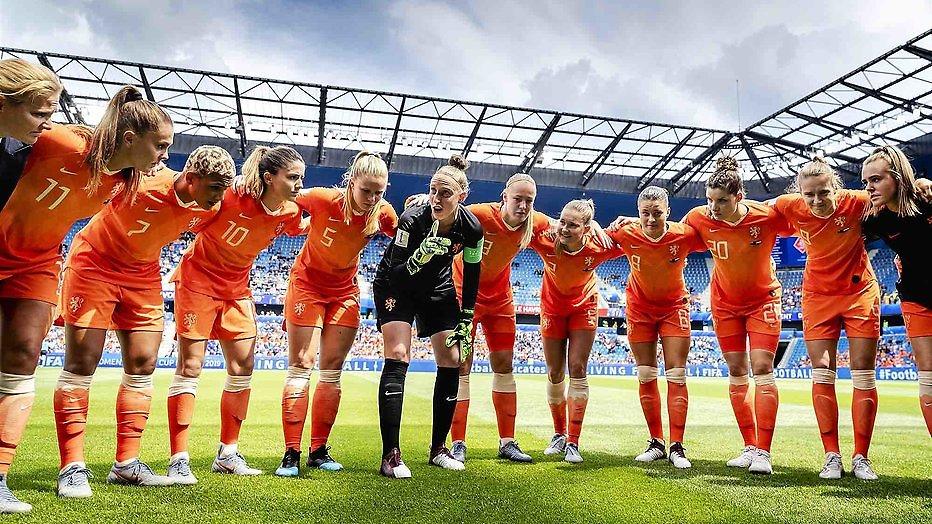 De TV van gisteren: 2.2 miljoen mensen zien voetbalsters winnen