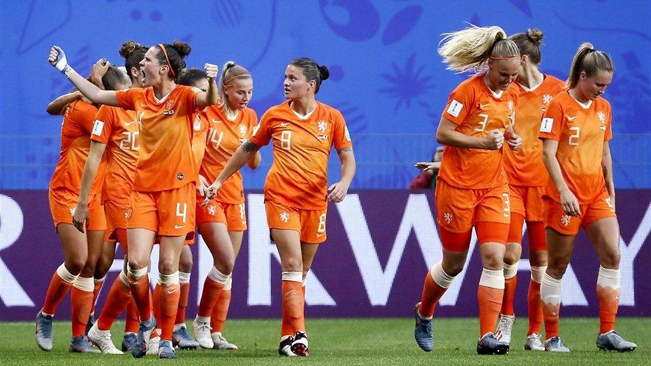 De TV van gisteren: Oranje vaagt concurrentie weg voor het oog van 3.5 miljoen kijkers