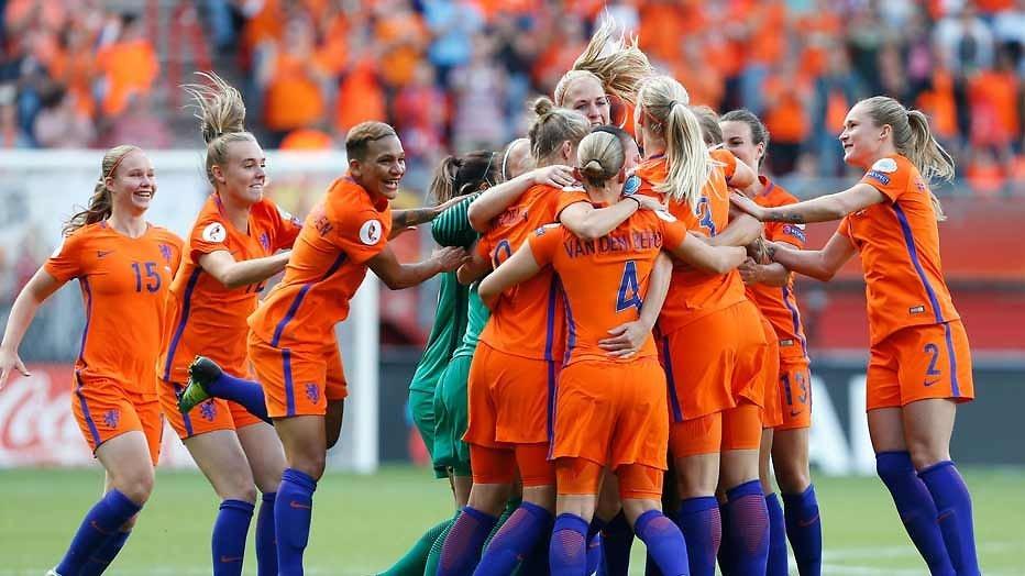 Huldiging voetbaldames best bekeken tv-moment in 2017