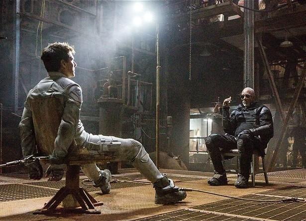 Tom Cruise redt de wereld