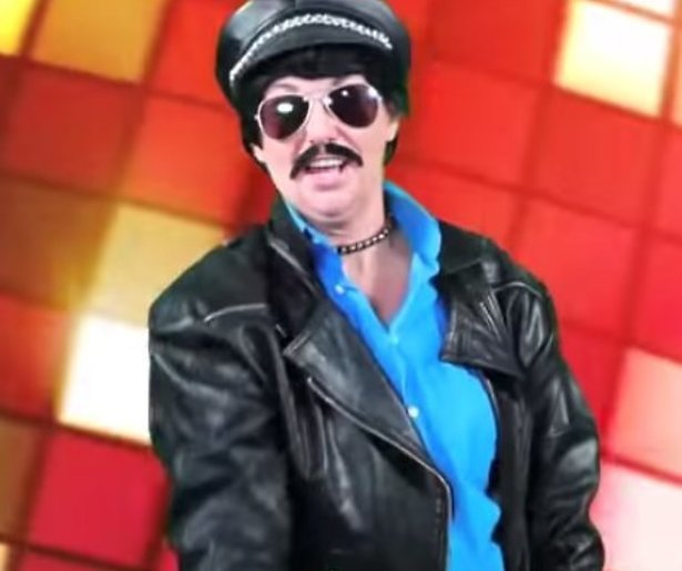 De meest spectaculaire YouTube-hits van 2015: Onno Hoes inspireert carnavalszanger