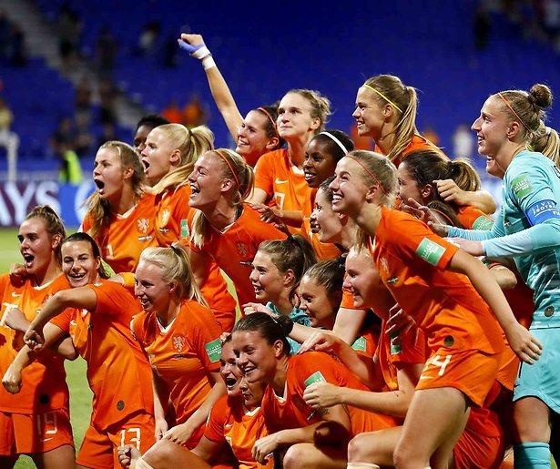 De TV van gisteren: Ongelooflijke 5 miljoen kijkers voor halve finale Oranjevrouwen