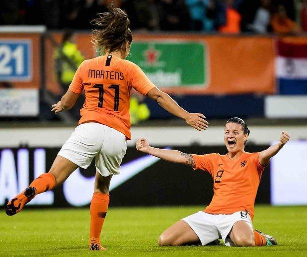 De TV van gisteren: 1,1 miljoen voor Oranje voetbalvrouwen tegen Slowakije