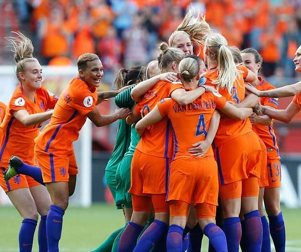 Huldiging voetbaldames best bekeken tv-moment in 2017