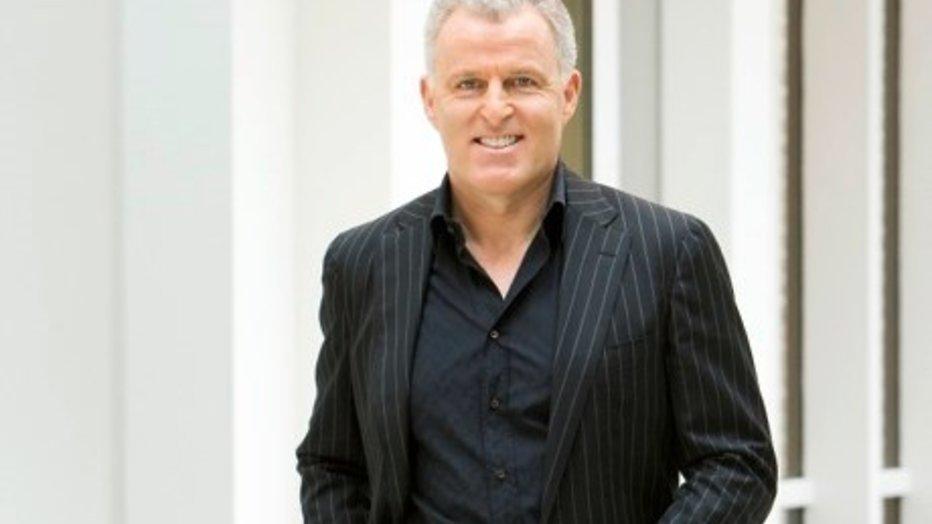 Peter R. de Vries pakt internetpesters aan in nieuw RTL 5-programma