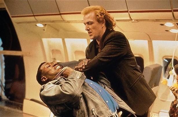 Wesley Snipes stopt een terrorist