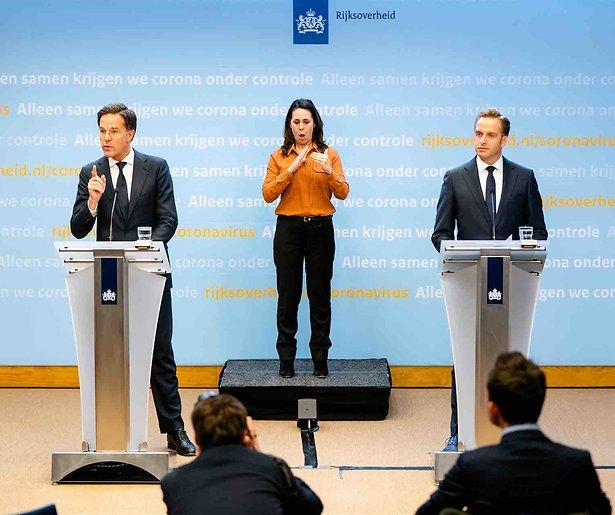 De TV van gisteren: Persconferentie Rutte verliest kijkers