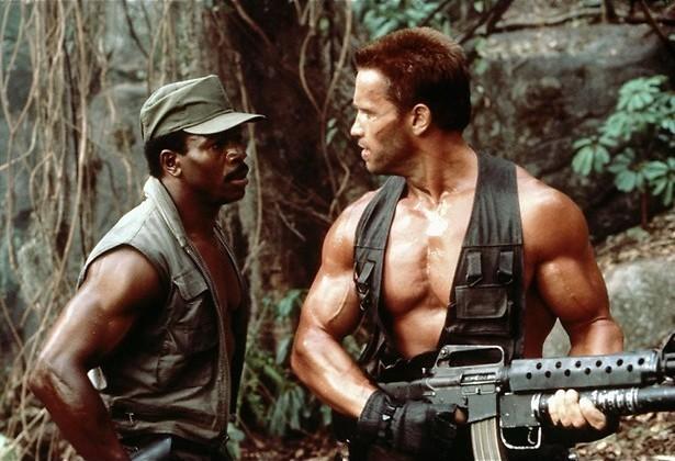 Arnold Schwarzengger vecht met een monster