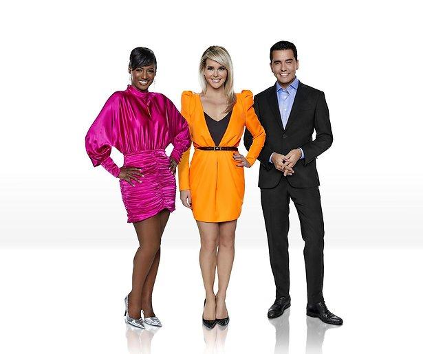 Jan, Chantal en Edsilia presenteren Eurovisie Songfestival