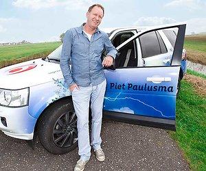 Jan Slagter zegt dat Piet Paulusma te veel geld wil, Piet is verbaasd