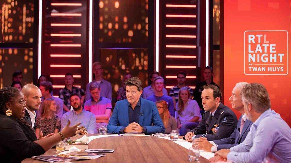 Gek verstoort uitzending RTL Late Night met Twan Huys