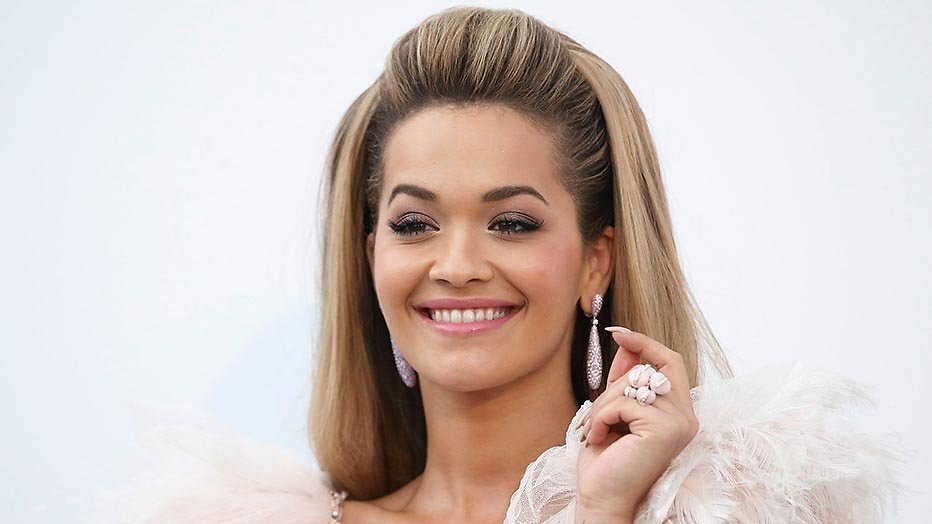 Rita Ora presenteert MTV EMA's in Londen