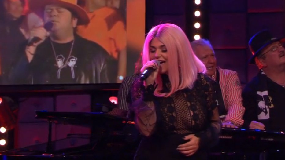 Borsten Roxeanne Hazes spelen prominente rol in RTL Late Night