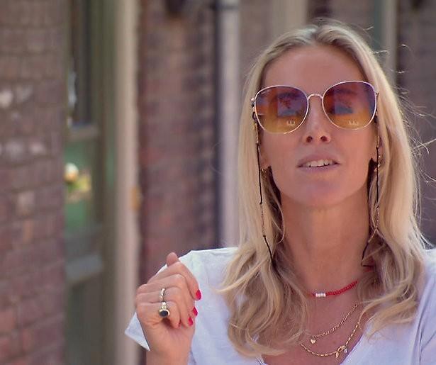 Kopen zonder kijken-ster Roos Reedijk in De TV Kantine