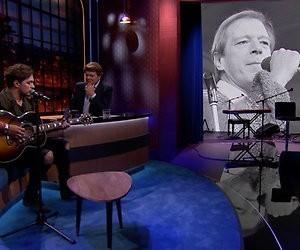 Terugkijken: Waylon en Beau zingen Ramses Shaffy