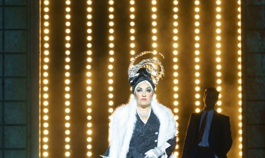 Win 2 eersterangskaarten voor Sunset Boulevard in Koninklijk Theater Carré
