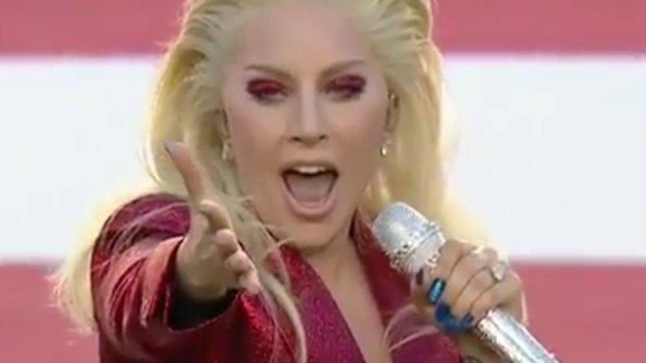 YouTube-hit: Lady Gaga zingt het Amerikaanse volkslied