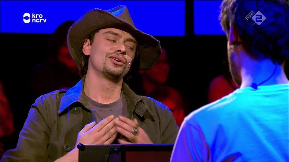 Stefano Keizers ternauwernood door in finaleweek De Slimste Mens