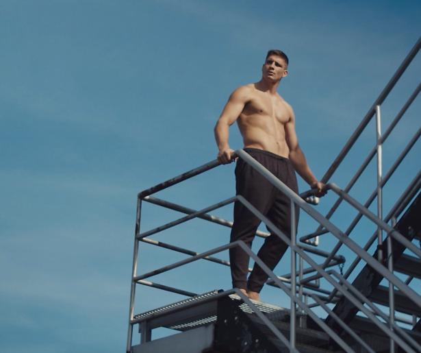 Oelala! De shoot van Rico Verhoeven voor Men's Health
