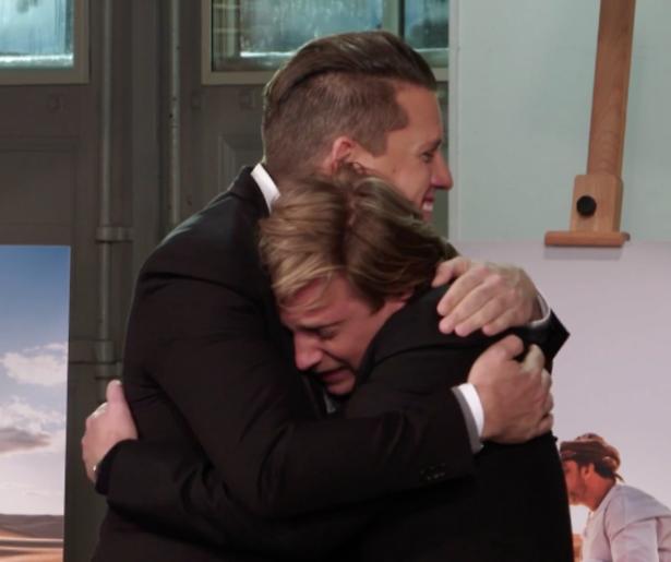Videosnack: Jamie vliegt Kees in de armen na winnen Het perfecte plaatje