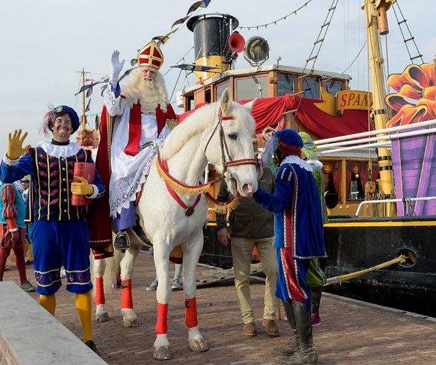 De TV van gisteren: Coronaproof Sint intocht goed voor ruim 2,2 miljoen kijkers