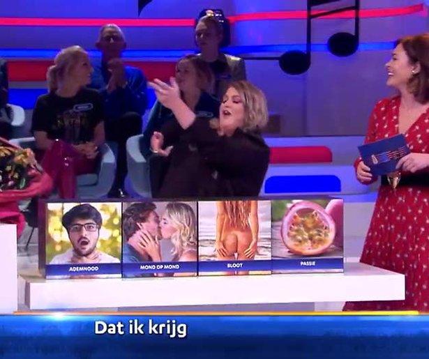 Videosnack: Esmee van Kampen en Soundos gaan uit de kleren