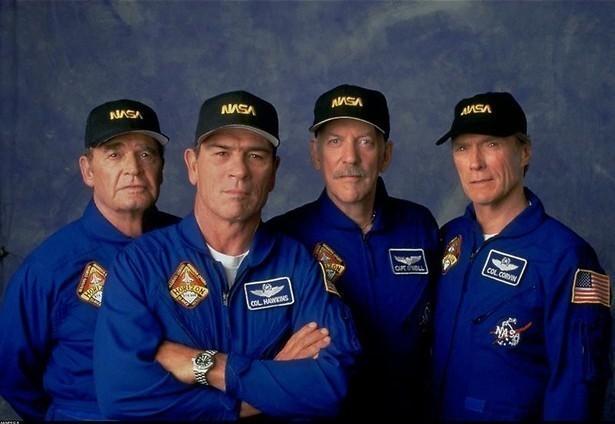 Clint Eastwood als hoogbejaarde astronaut