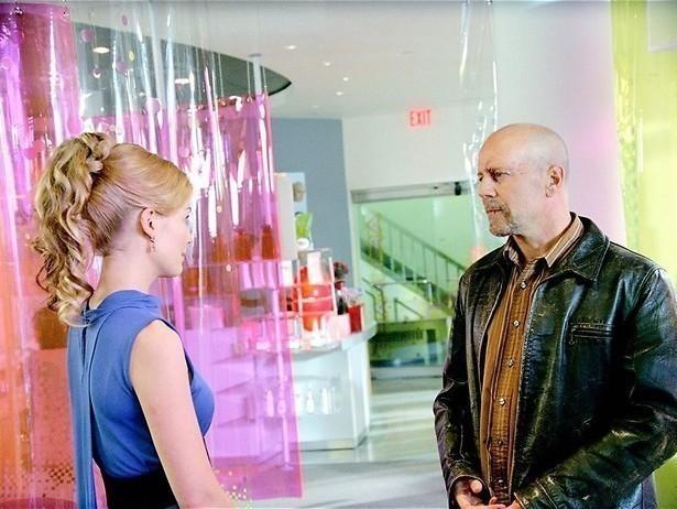 Bruce Willis tussen de robots