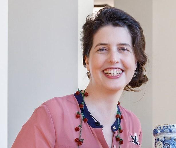 Suzanne Lambooy geniet van de verhalen in Tussen Kunst en Kitsch