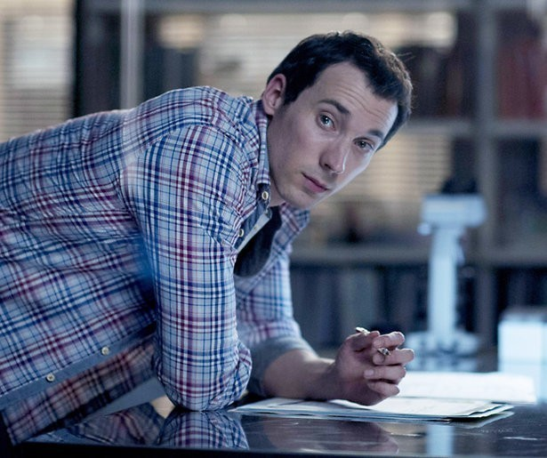 David Caves over het handschoenengeheim van Silent Witness